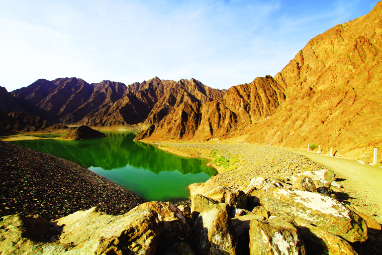 explore hatta mountains