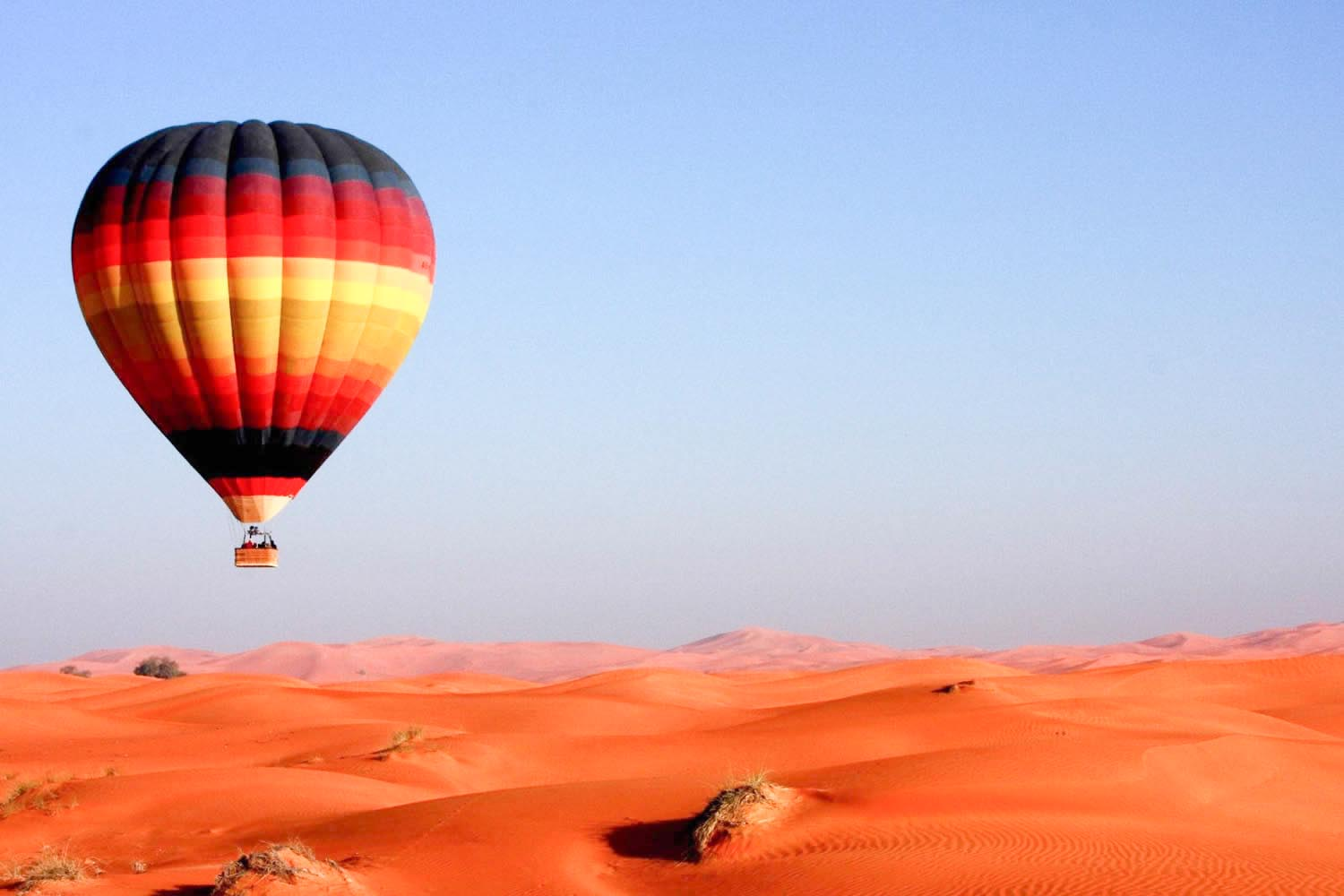 Fly Dubai high on a hot air balloon ride