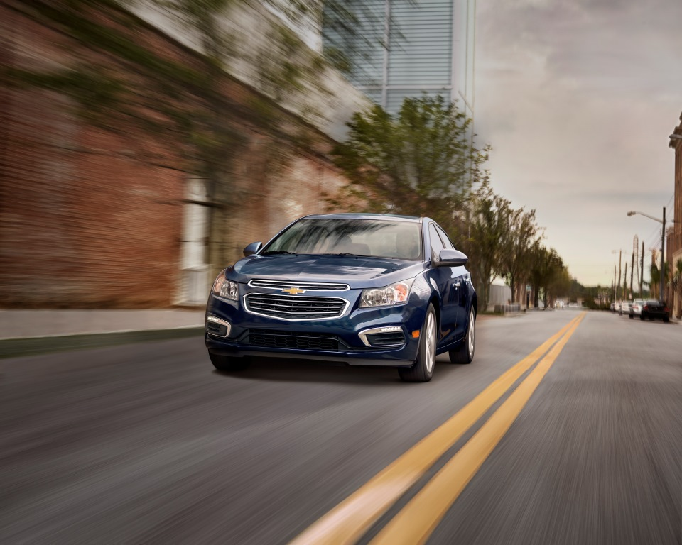 Take control with the new Chevrolet Cruze 2016