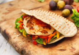 sweet-chilli-halloumi-pitta